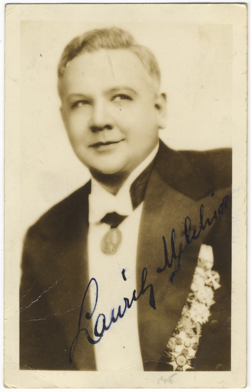 Waist-length photograph in formal attire, signed in full. Lauritz MELCHIOR.