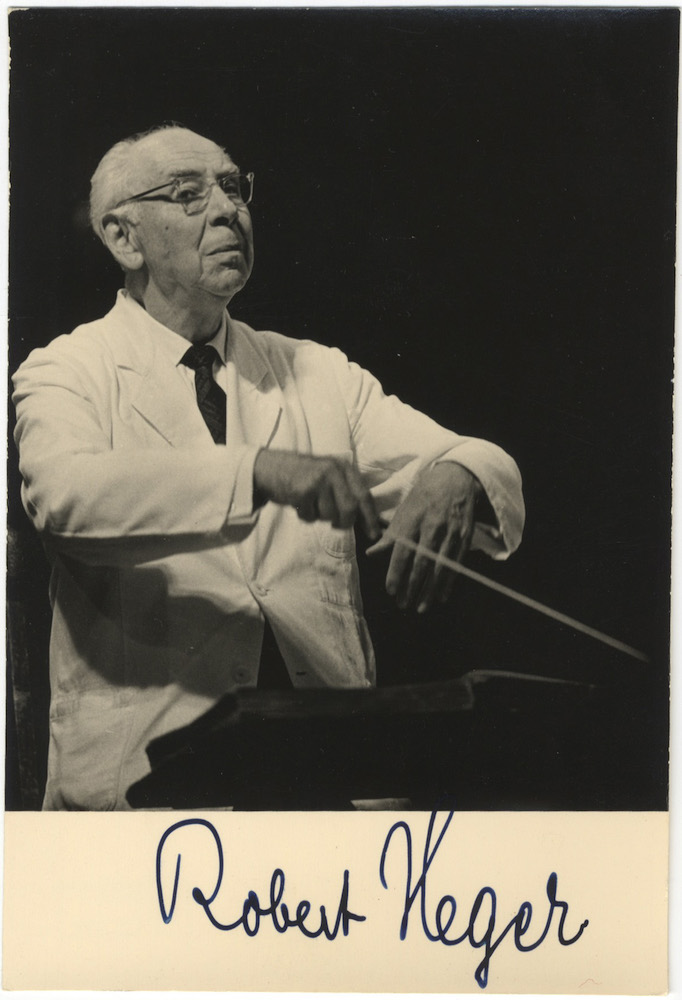 Photograph of the distinguished German conductor and composer signed at blank lower margin. Robert HEGER.