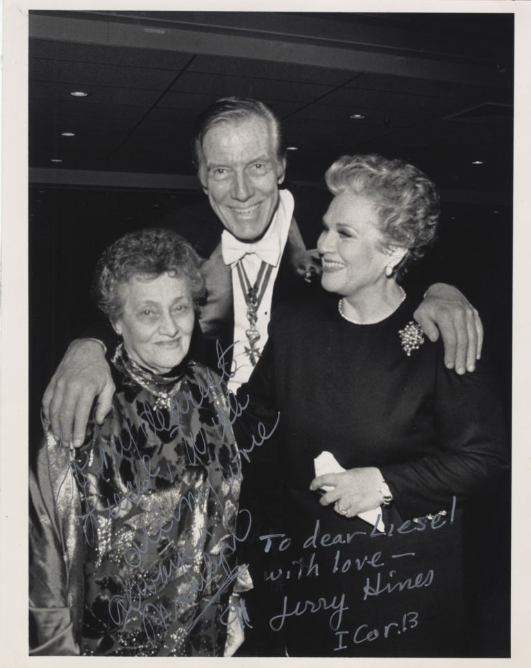 Signed photograph of Horne and the American operatic bass Jerome Hines together with an unidentified woman, in all likelihood Liesel Hilfreich, to whom the photograph is inscribed. Ca. 1990. Marilyn b. 1934 HORNE, Jerome HINES.
