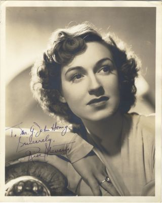 Portrait photograph by G. Maillard Kesslere with autograph signature of the noted American....